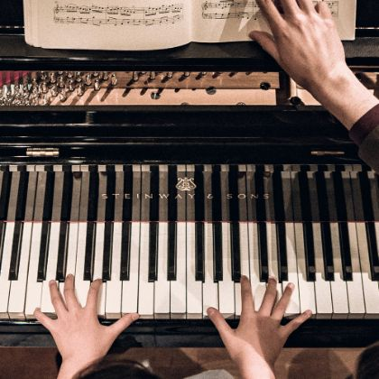 http://www.steinway.com/news/features/find-the-best-instrument-for-your-child